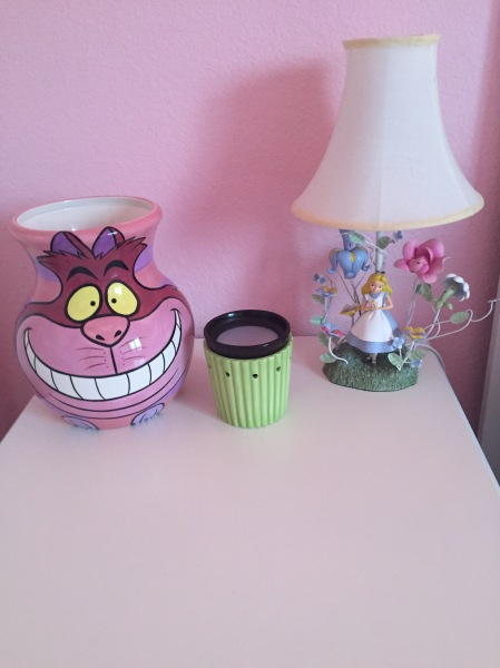 Cheshire cat vase, Alice in Wonderland lamp